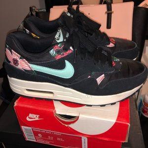 Nike Shoes - Air max 1 aloha print